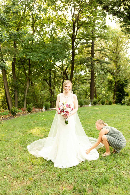 Annapolis wedding photographer that creates light, luxurious images.
